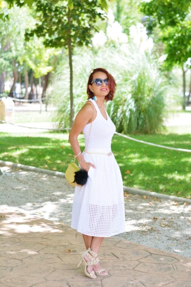 Look de verano falda midi