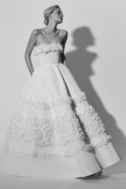 carolina-herrera-wedding-dresses-spring-2018-back-007
