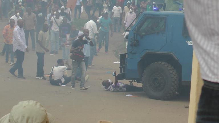 1 blessé grave et 20 arrestations lors de la marche de l'opposition (Communiqué)