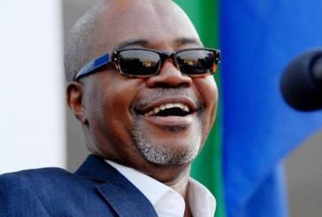 Faustin Boukoubi pleure Mba Obame