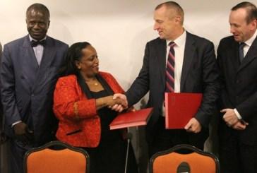 Le PNUD et la SEEG s'associent pour apporter l'eau et l'électricité dans 100 écoles du Gabon