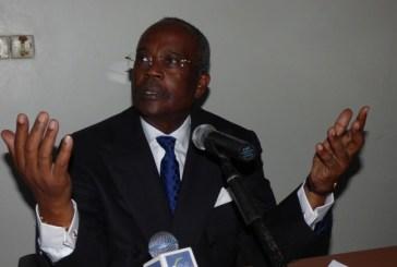 Casimir Oyé Mba suggère la création d'un syndicat des candidats contre Ali Bongo