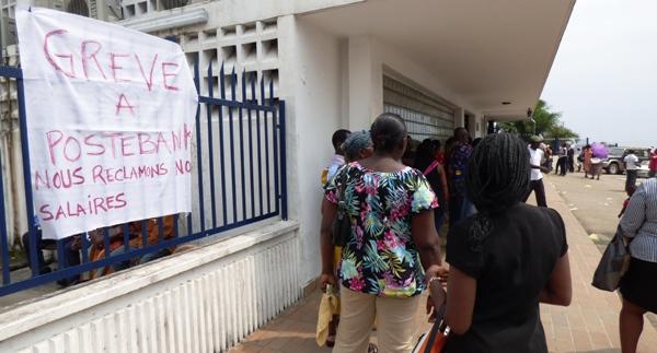 Triste fin de mois pour les fonctionnaires payés par la Poste