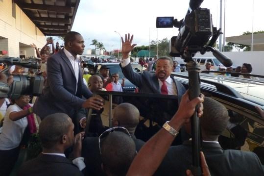 Retour plus ou moins tranquille de Jean Ping à Libreville
