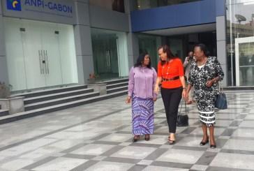 Madeleine Berre visite les nouveaux locaux  du Guichet de l'investissement de l'ANPI