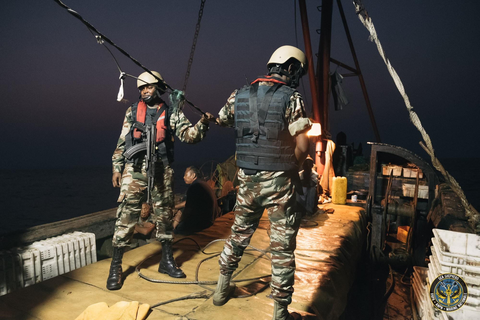 Deux chalutiers équato-guinéens appréhendés en situation de pêche illégale dans les eaux gabonaises