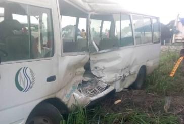 Un camion de sable sort de sa route et fait de nombreux blessés dans le bus de la CNSS vers Bikélé