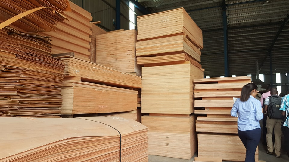 Des marocains envisagent de construire un centre de formation aux métiers du bois à Libreville