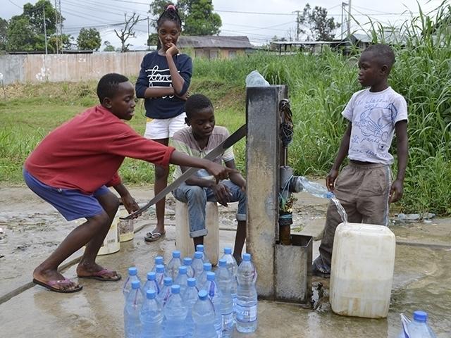 Gabon: 55 % des personnes vivant à Libreville n'ont pas accès à l'eau potable