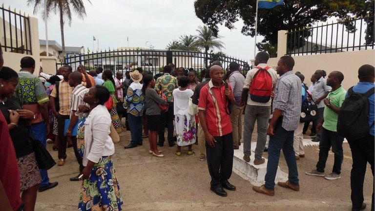 Une coalition des syndicats de l'administration  publique en grève