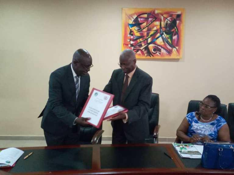 L'UOB et le Groupe  EM-Gabon Université signent un accord cadre pour booster la formation professionnalisante