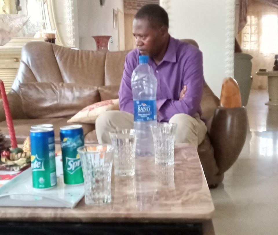 Le journaliste Bertin Ngoua Edou libéré après 4 jours au gnouf