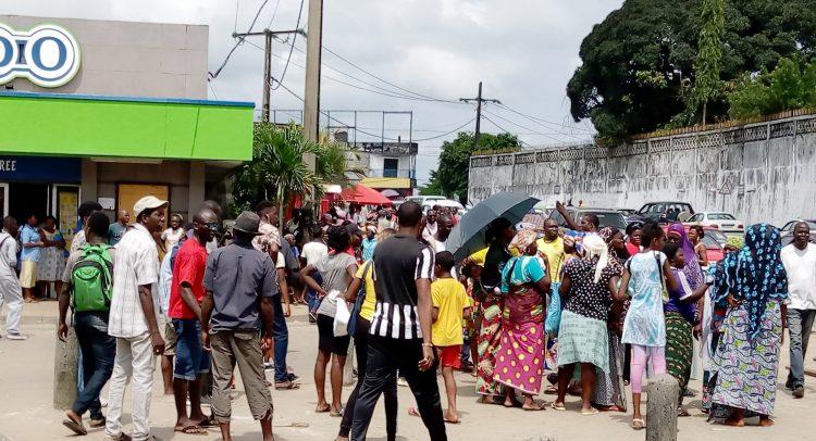 Quartier Charbonnages à l'endroit où se sont produits les échauffourées entre les agents municipaux et des commerçants / Gabonactu.com