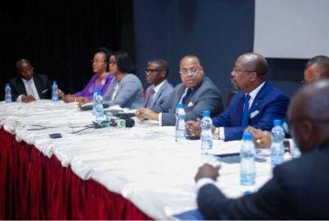 Rencontre politique : l'opposition s'insurge contre le monologue de Julien Nkoghé Bekalé