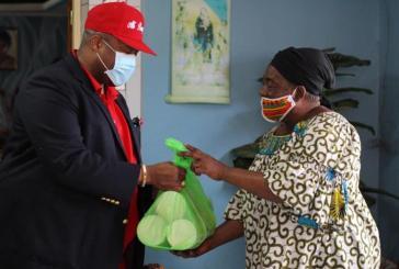 Les repas du cœur et de l'égalité des chances, une initiative de Pascal Houangni Ambouroue pour soutenir les familles modestes de Port-Gentil