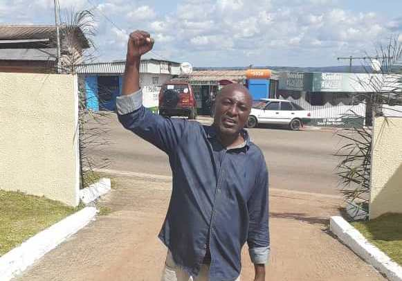Marcel Libama après sa libération à Franceville / Gabonactu.com