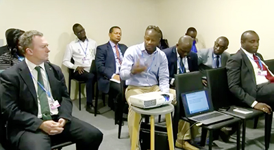 Scène d'une séance de travail de la délégation gabonaise. © Capture d'écran/Gabon24