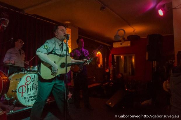 Ed Philips and the Memphis Patrol koncert / Support: Johnny Favourit' (A/HU) @ Búgócsiga Akusztik Garden / 4 © Gabor Suveg