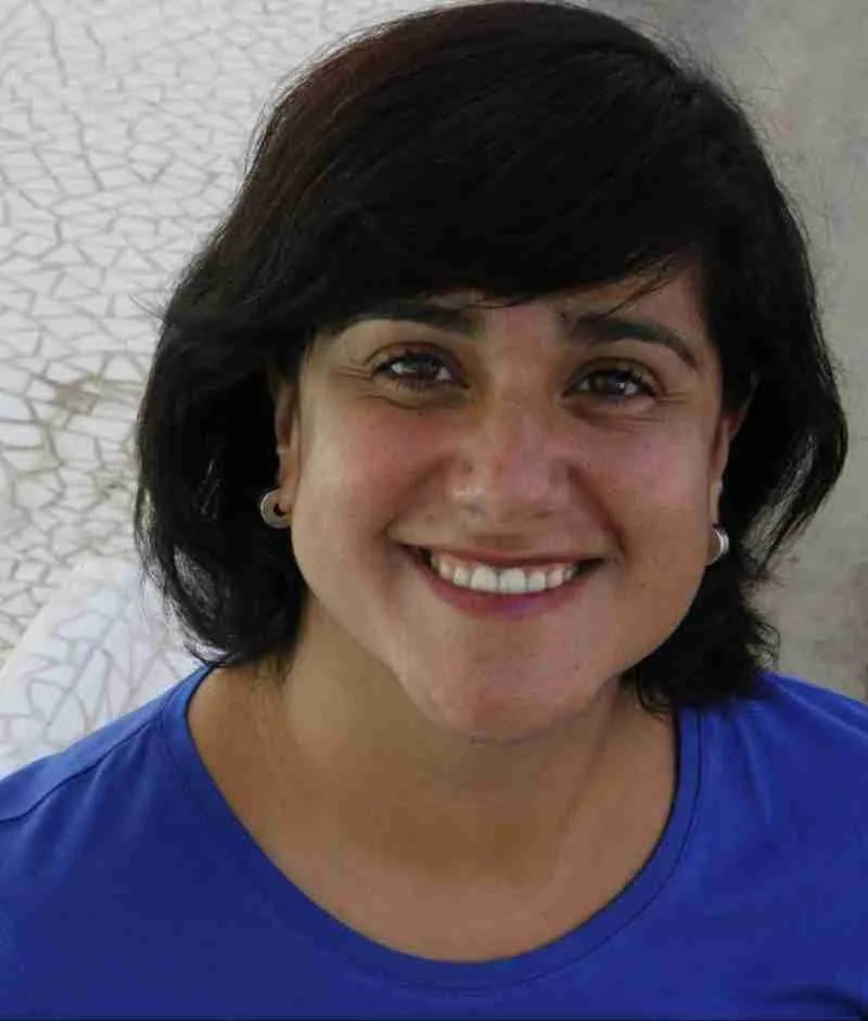 gabriela expat coach smiling