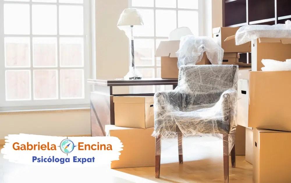 Desarraigo Expat_ Sentido de pertenencia dentro de ti - Gabriela Encina psicologa expat - muebles de casa listos para mudanza