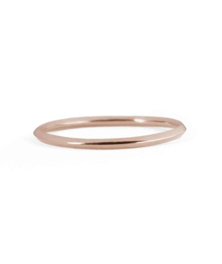 rose gold knife edge wedding band