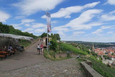 Sonntags sorgen die Esslinger Weingärtner für die Möglichkeit zum Boxenstopp