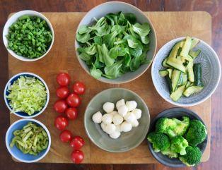 Zucchini Brokkoli Bohnen Staudensellerie Tomaten Feldsalat