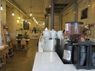 Paris Café Coutume