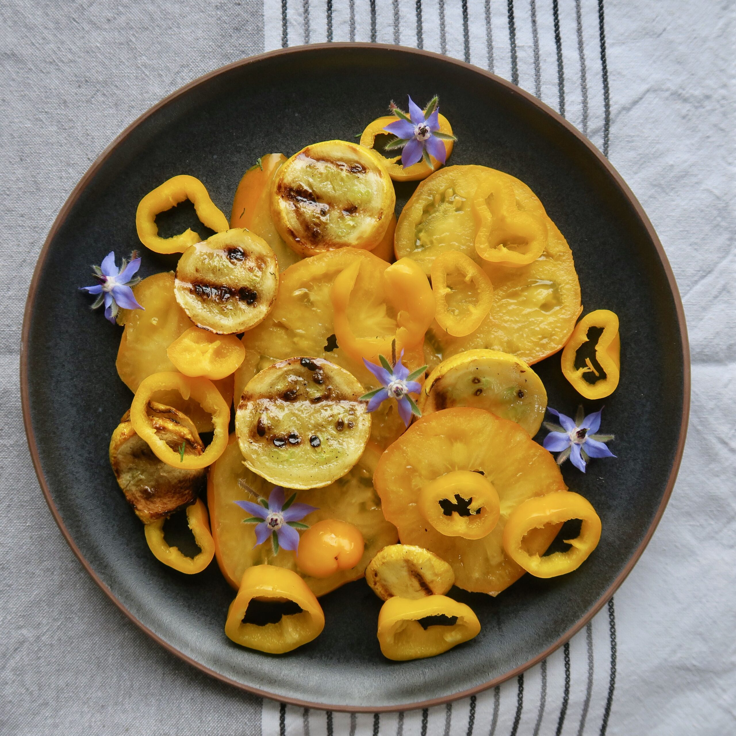 Gelber Tomatensalat