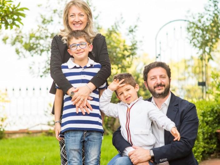 ca952588-01cf-4c31-95e1-bd32c1ecbdba Family Portrait / Ritratti di Famiglia