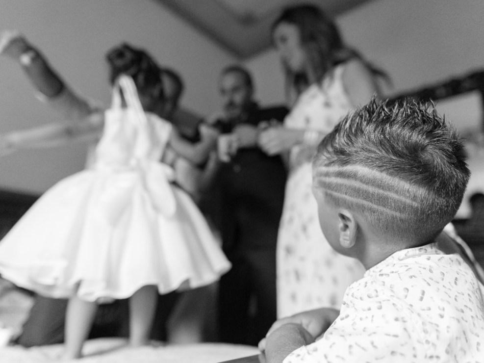 Bambina-Battesimo-Famiglia-11 Fotografo di Battesimo Cosenza Corigliano Rossano