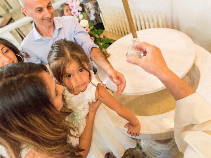 Bambina-Battesimo-Famiglia-29 Fotografo di Battesimo Cosenza Corigliano Rossano