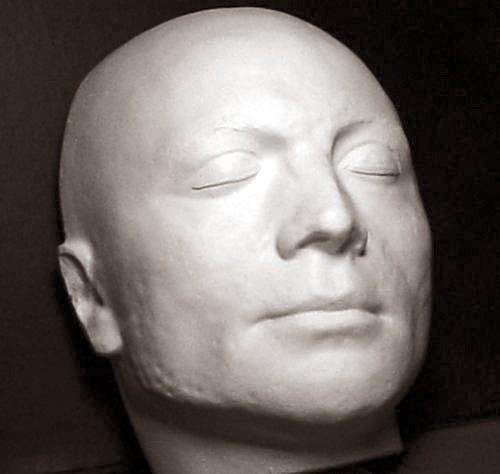 La maschera mortuaria eseguita su Robespierre da Marie Tussaud, oggi ad  Aix,en,