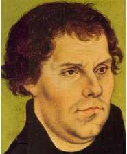 Martin Luther fa circolare stampate all'Università, le sue 95 tesi; traduce la bibbia in tedesco e della sua diffusione popolare fa il fulcro di una nuova teologia