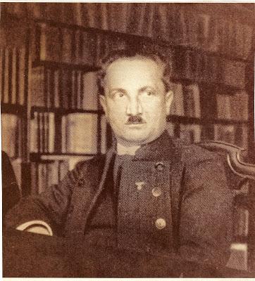fribourg-1934-martin-heidegger-con fregio nazista