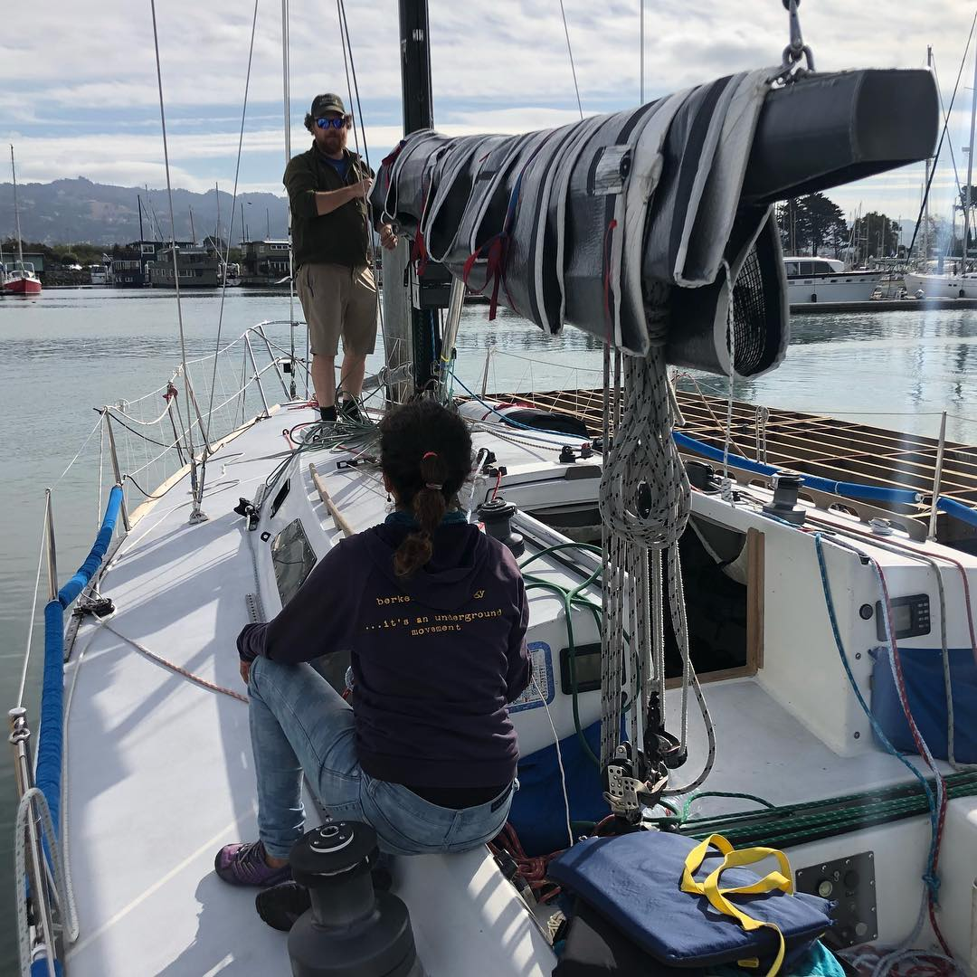 Swapping out halyards, day 2 of Express 37 Nationals on Stewball. Currently 1 point out of 2nd place. Let's go fast in this light wind day :)