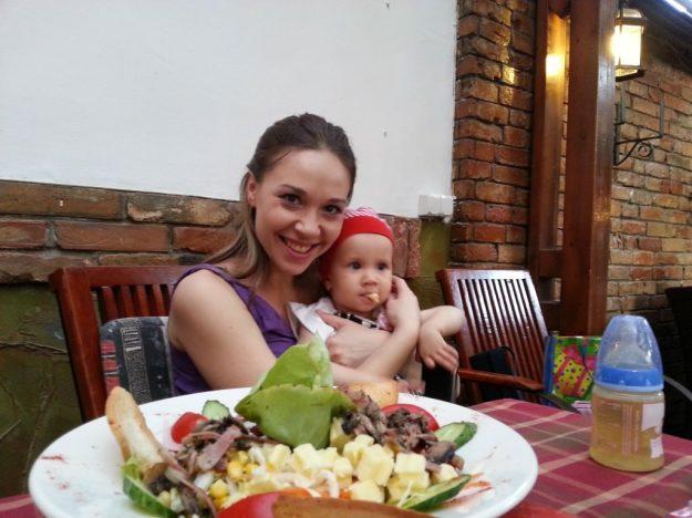 Sara la 1 an