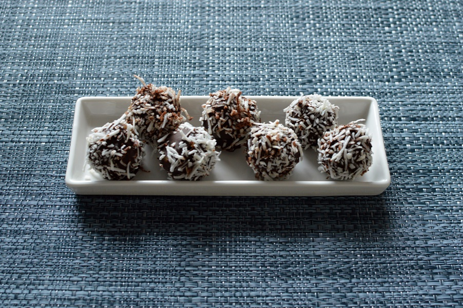 lamington bliss balls