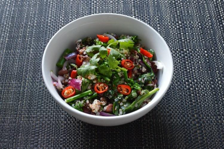 Quinoa & mixed beans vegan bowls