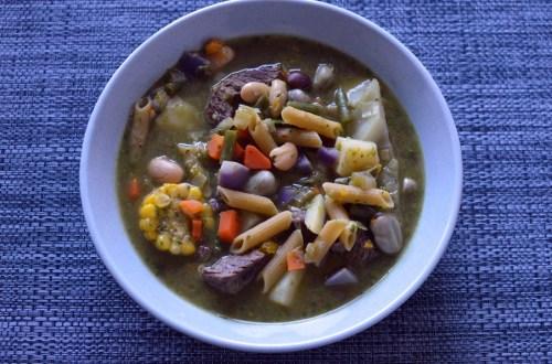 Menestrón (Peruvian minestrone)