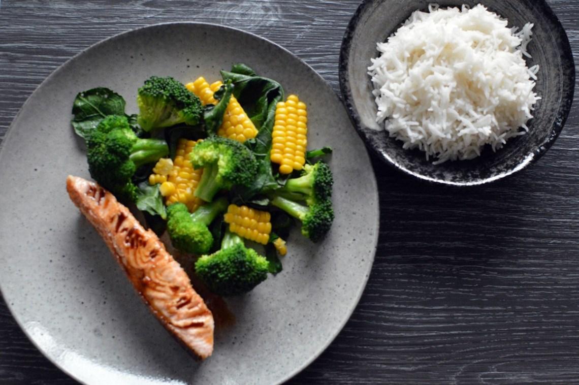Teriyaki-glazed salmon with corn and broccoli