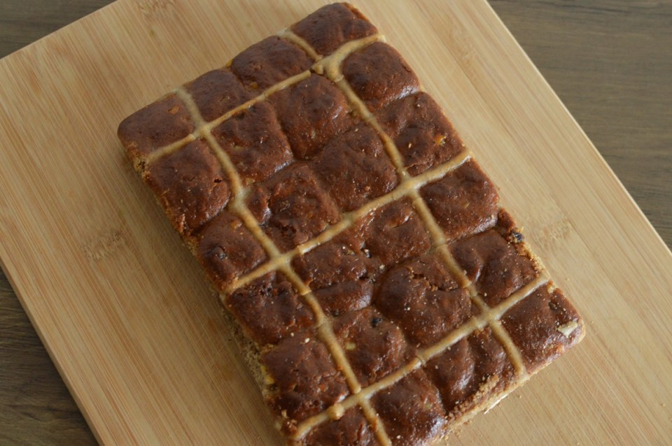 Nonie's hot cross buns