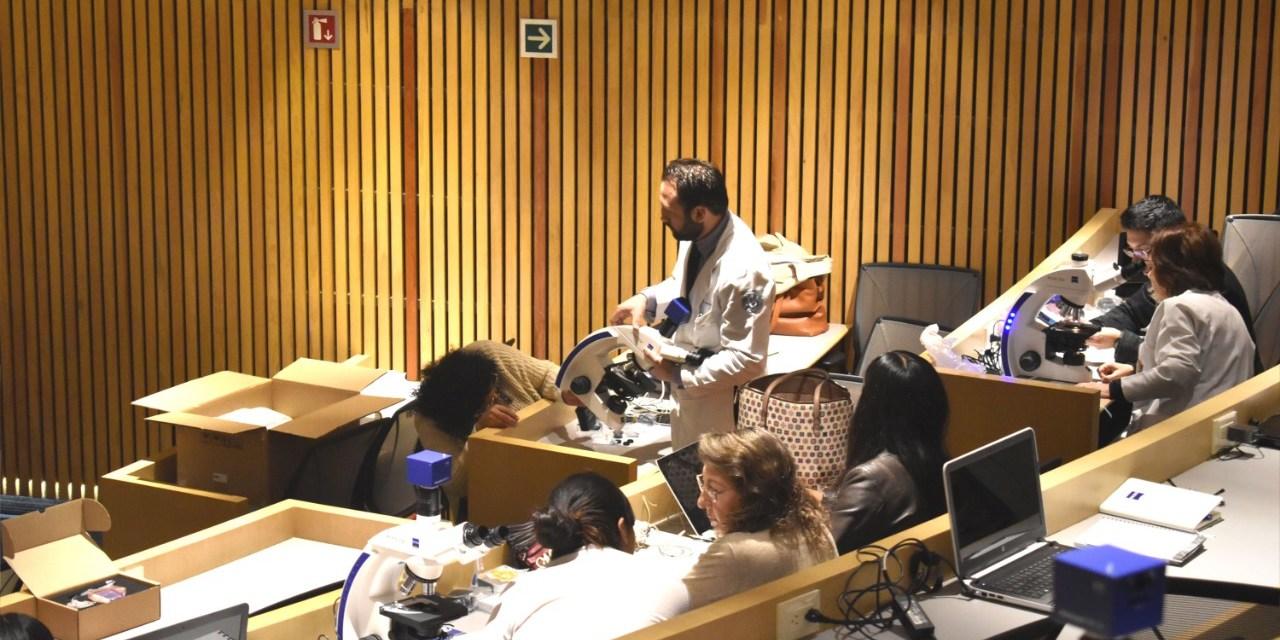 Se capacitan docentes para  el uso de la microscopía  en la enseñanza