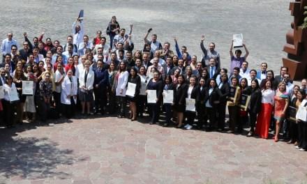 Médicos generales adscritos a instituciones de salud se gradúan como especialistas en Medicina Familiar