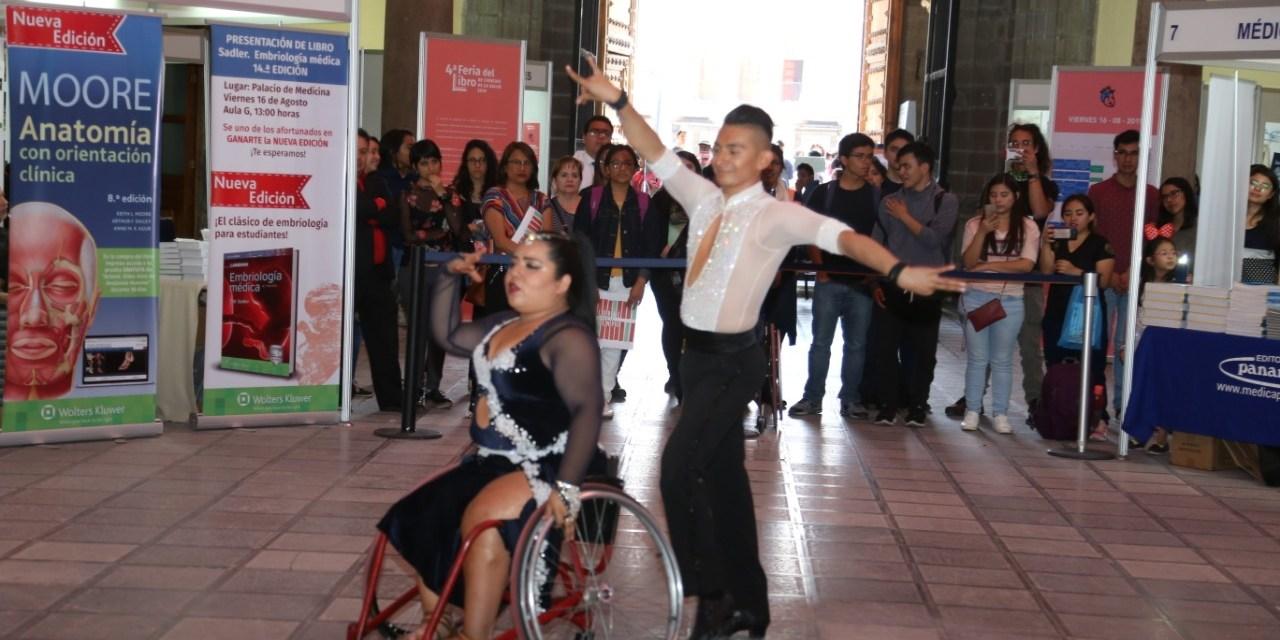 Baile sobre silla de ruedas