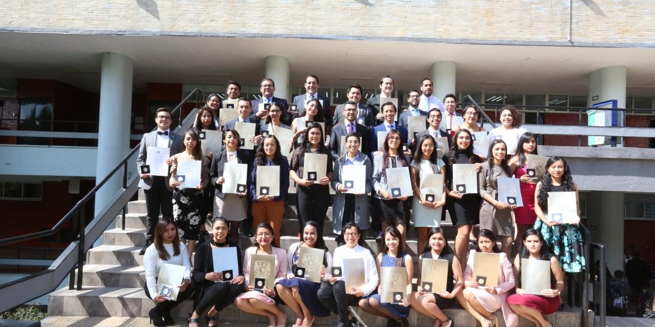 """Ganan 51 alumnos de la FacMed el Premio al Servicio Social """"Dr. Gustavo Baz Prada 2019"""""""