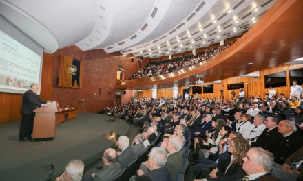 El doctor Germán Fajardo presentó el Informe de Actividades 2016-2020