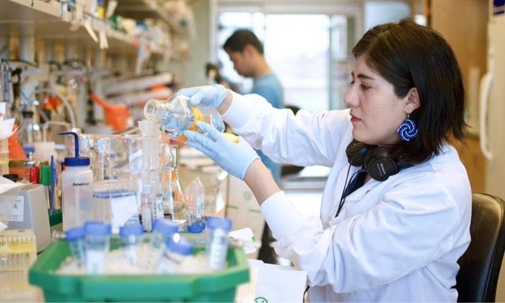 Vacuna contra la COVID-19 a partir de proteínas sintéticas