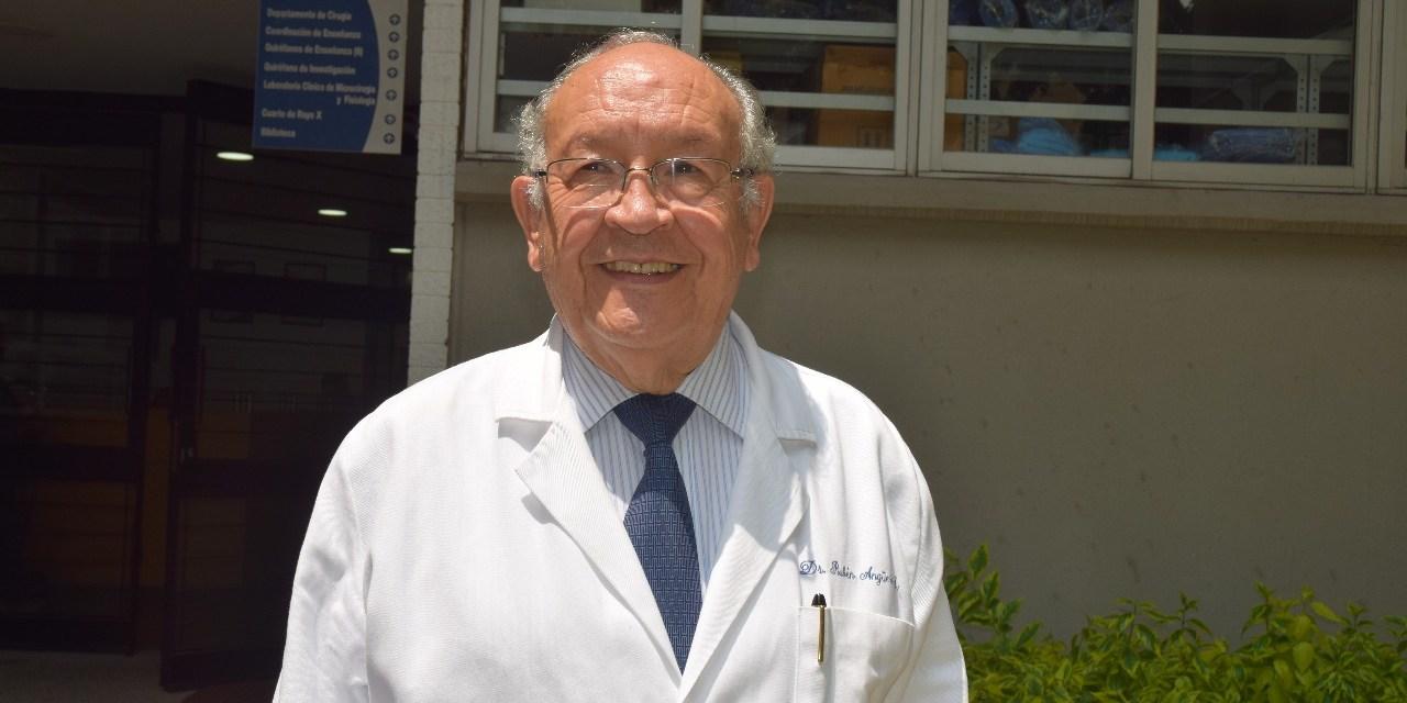 El doctor Rubén Argüero seguirá al frente del Departamento de Cirugía por dos años más