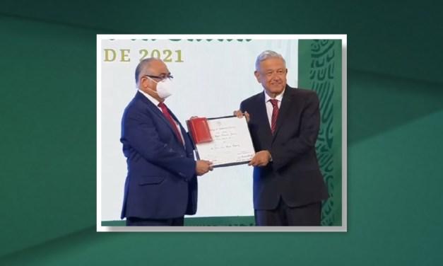 """El doctor Juan José Mazón recibió el Premio al Mérito Médico 2021 """"Doctor Miguel Francisco Jiménez"""""""